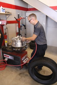 Rad Air, Strongsville, tire repair, flat tire, tire pressure, car repair, auto repair, auto mechanic, car mechanic, brake job, fix tire, Brunswick, Columbia Station, wheel